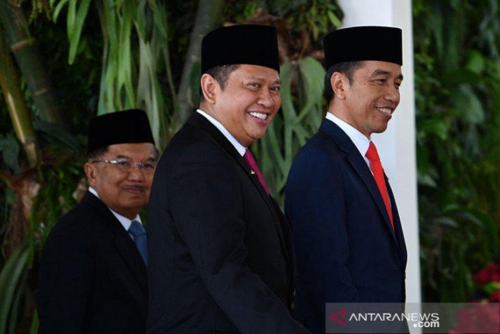Pelantikan Presiden dihadiri 689 anggota MPR RI, Prabowo-Sandiaga Uno juga hadir