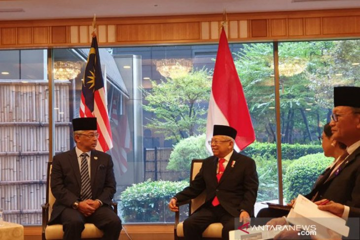 Wakil Presiden dan Raja Malaysia membahas upaya untuk memerangi radikalisme