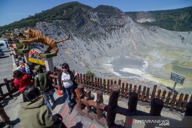 Wisata Gunung Tangkuban Parahu Kembali Dibuka