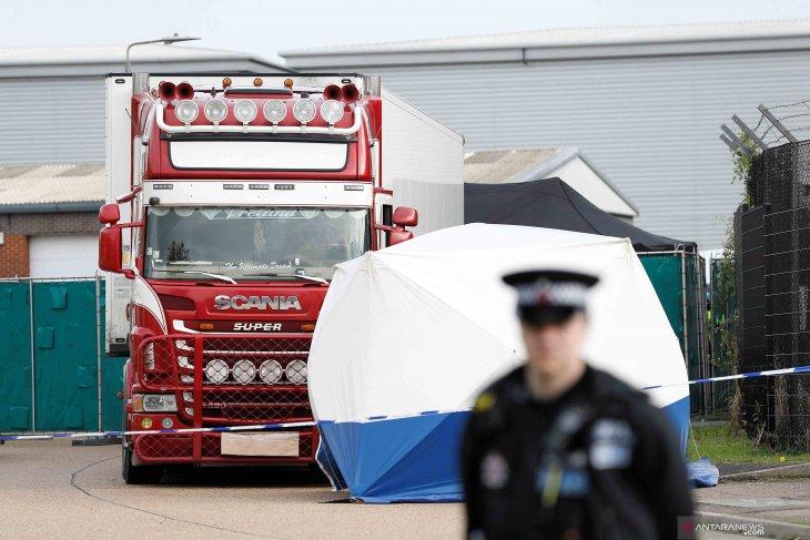 16 Migran ditemukan dalam kontainer tersegel menuju Irlandia