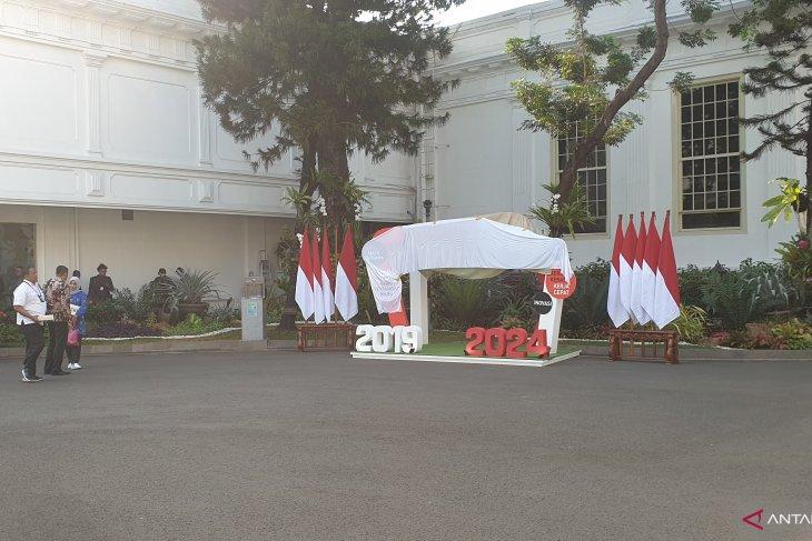 Para calon menteri dan pejabat negara berdatangan ke  Istana Kepresidenan