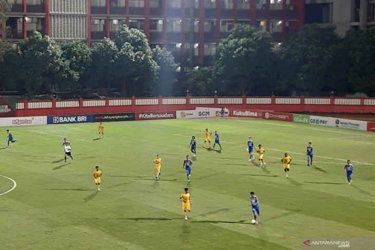Bhayangkara FC versus Persib tanpa gol
