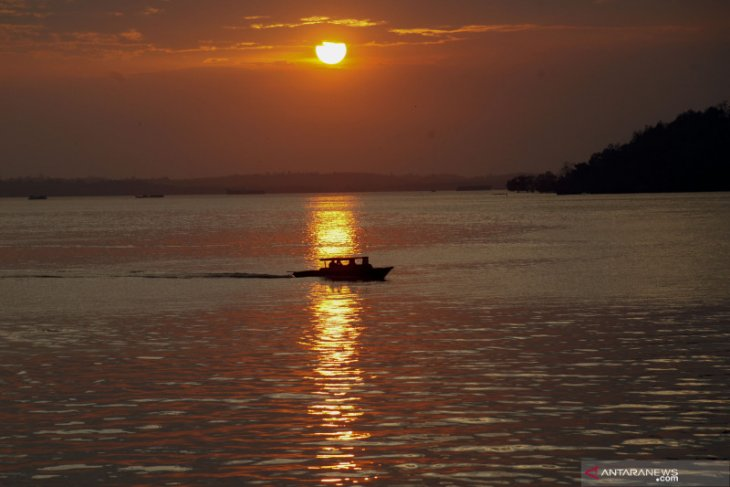 Nelayan Penajam terkena dampak pengeboran minyak lepas pantai dapat bantuan