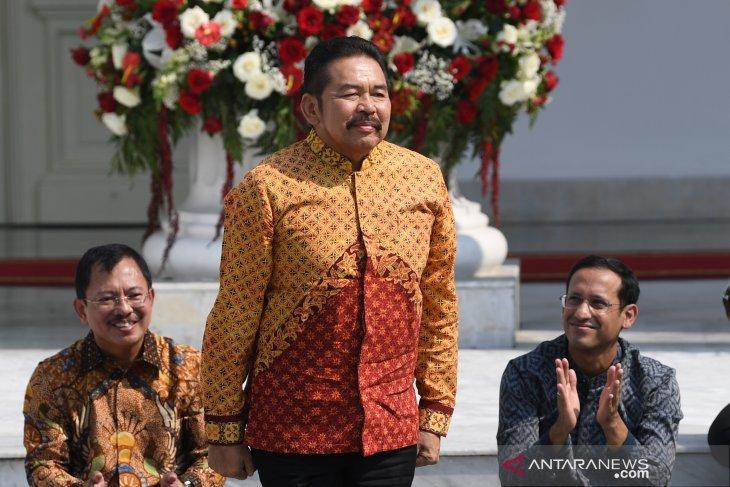 ST Burhanuddin, Jaksa Agung karier
