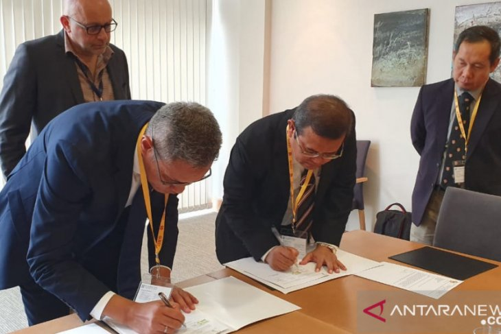 ULM Rector in England to sign MoU with University of Cambridge
