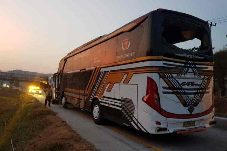 Tiga meninggal, bus rombongan pelajar Batang kecelakaan di Tol Cipali