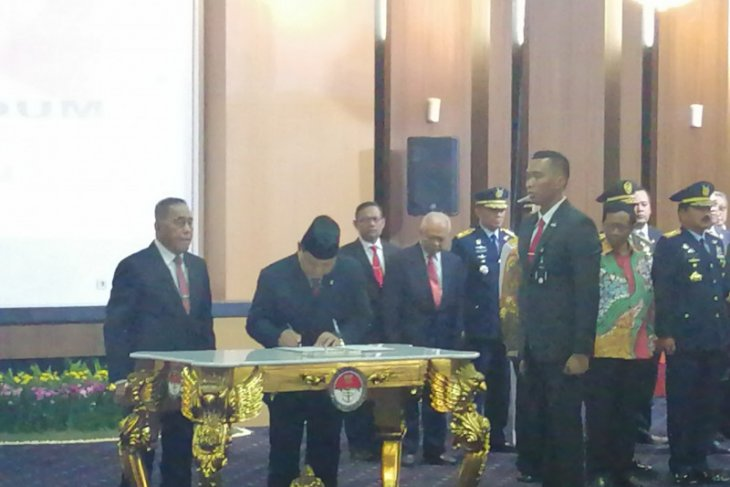 Ryamizard sertijab Menhan kepada Prabowo
