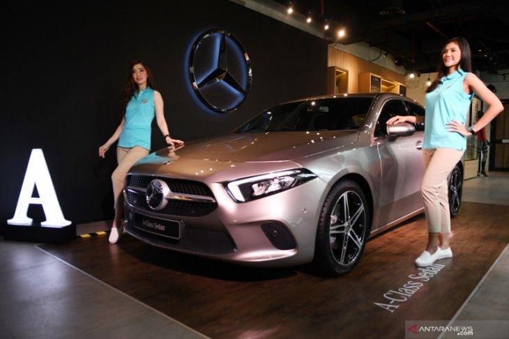Daimler setop produksi beberapa model sedan