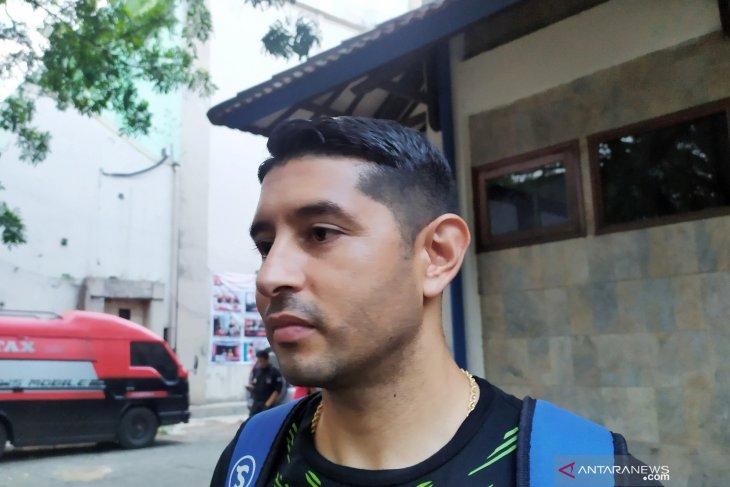 Gelandang Persib Vizcarra kecewa karena tidak bisa bermain hadapi Persija