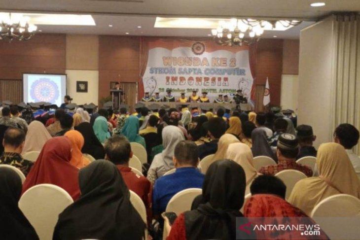 Ratusan lulusan ikuti wisuda II STKOM Sapta Computer Indonesia