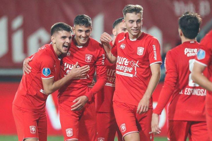 Twente mengambil alih puncak Liga Belanda usai pecundangi Willem II 3-0