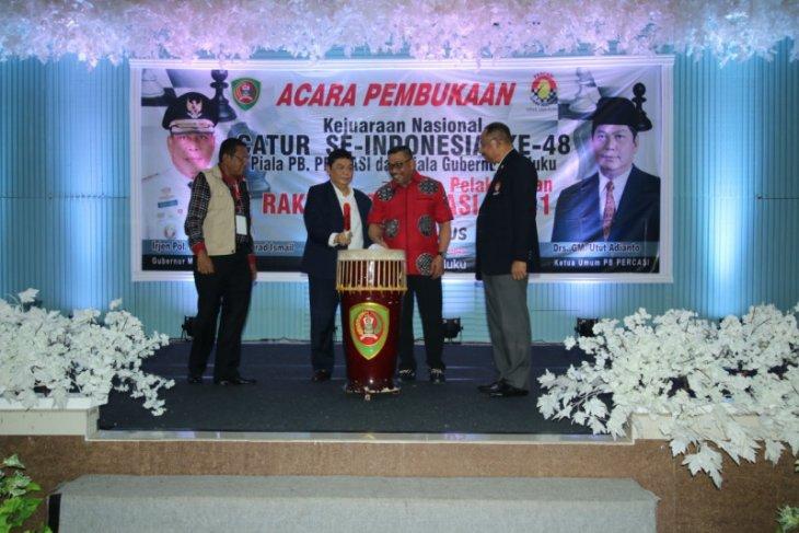 Gubernur  Kejurnas catur sarana kenalkan pariwisata Maluku