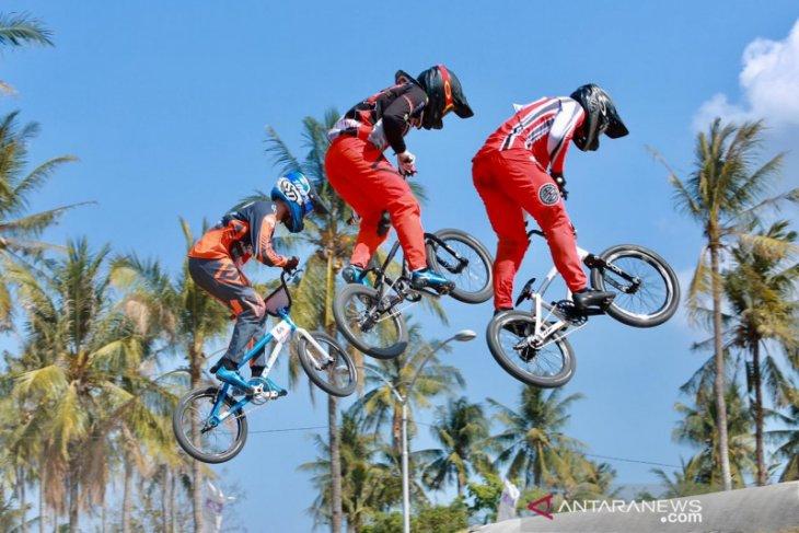 Lomba balap sepeda meriahkan hari jadi  ke-16 Kabupaten Sekadau