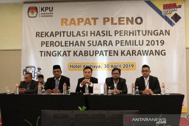 Seorang anggota KPU Karawang diberhentikan karena terbukti langgar kode etik