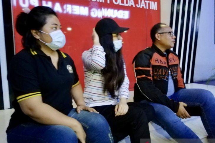 Polisi tetapkan J tersangka prostitusi libatkan Putri Pariwisata Jatim