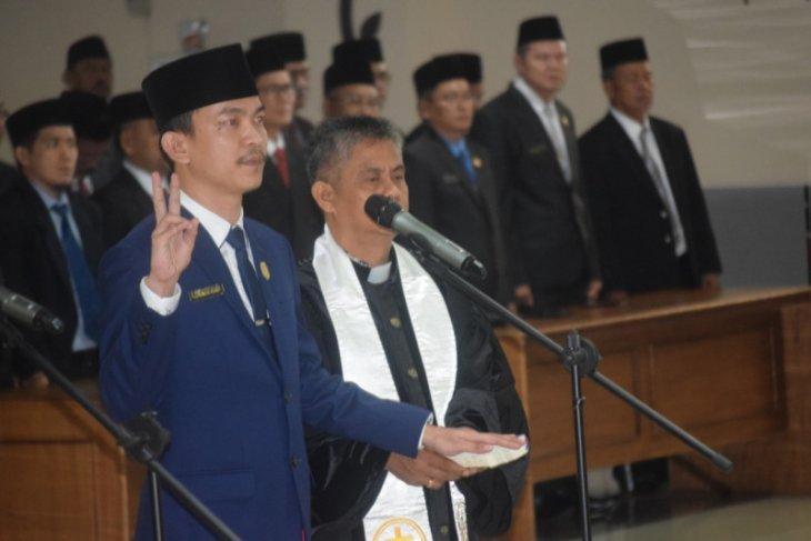 Pimpinan DPRD Sintang Dilantik
