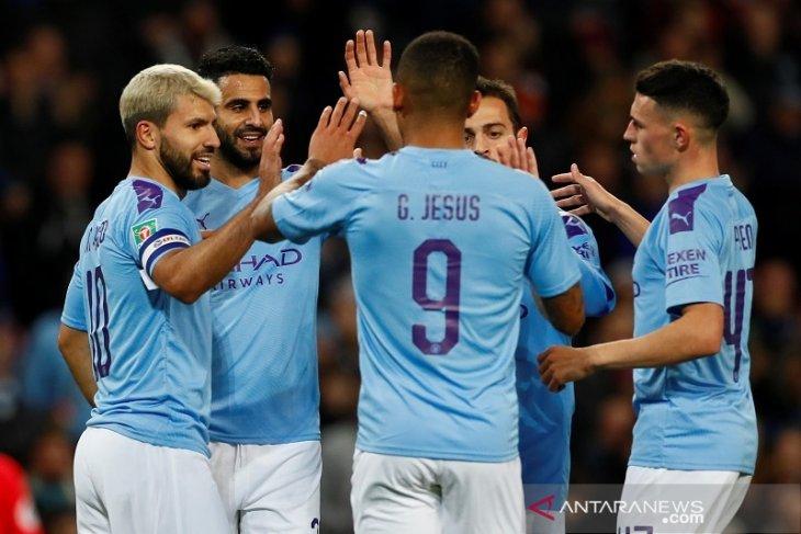Manchester City melenggang ke perempat final, disusul Everton dan Leicester