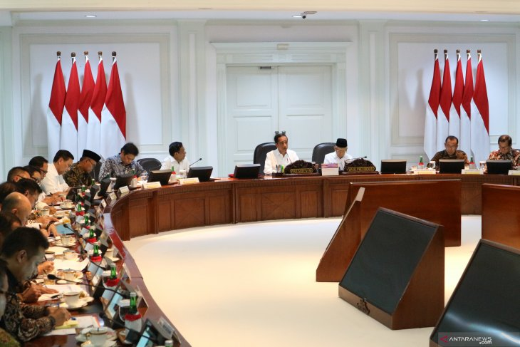 President emphasizes completion of  international agreements by 2020