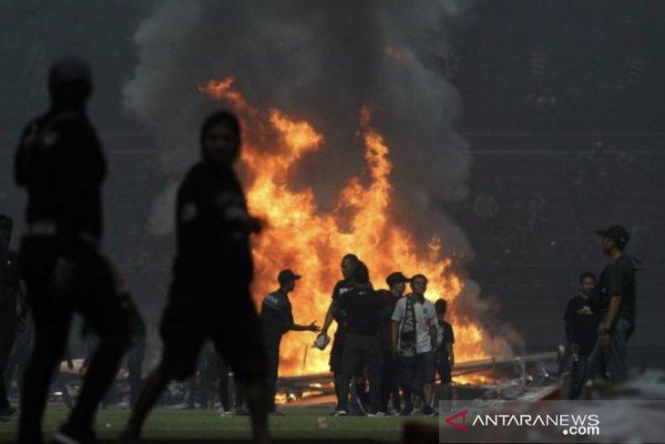 Kerusuhan di Stadion GBT, Gubernur Jatim: Saya sedih