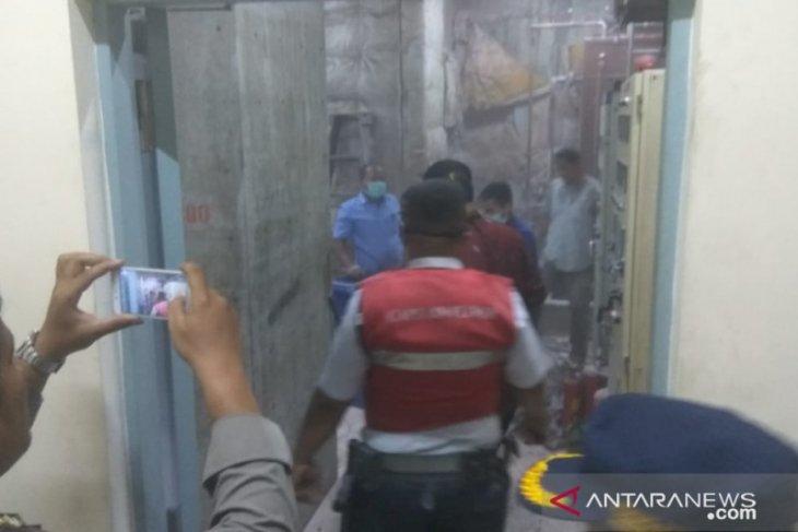 Gedung Bank Danamon di Medan terbakar