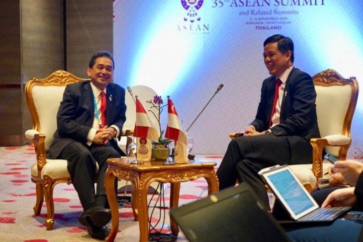 Indonesia-Singapore meeting focused on bilateral trade improvement