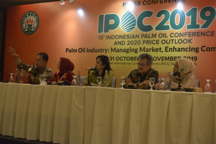 Palm oil producers open clinic for ISPO certification