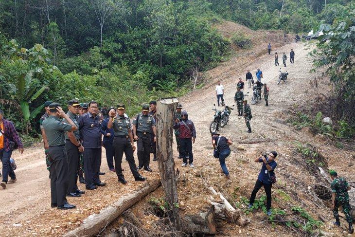 TNI backs government to expedite development in remote areas