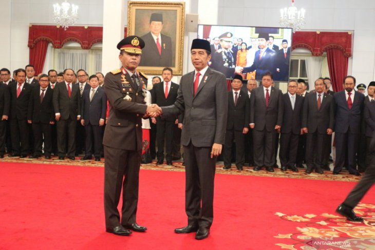 Idham Azis inducted as National Police Chief