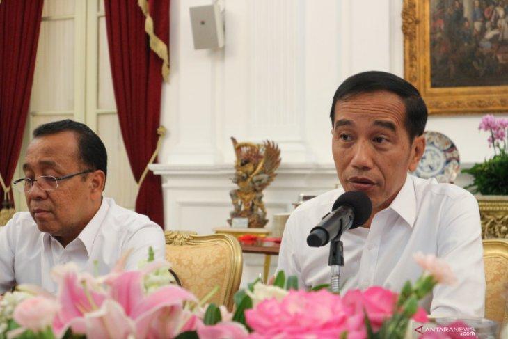 Menag Fachrul Razi akan larang gunakan cadar dan celana cangkring, ini tanggapan  Presiden Jokowi