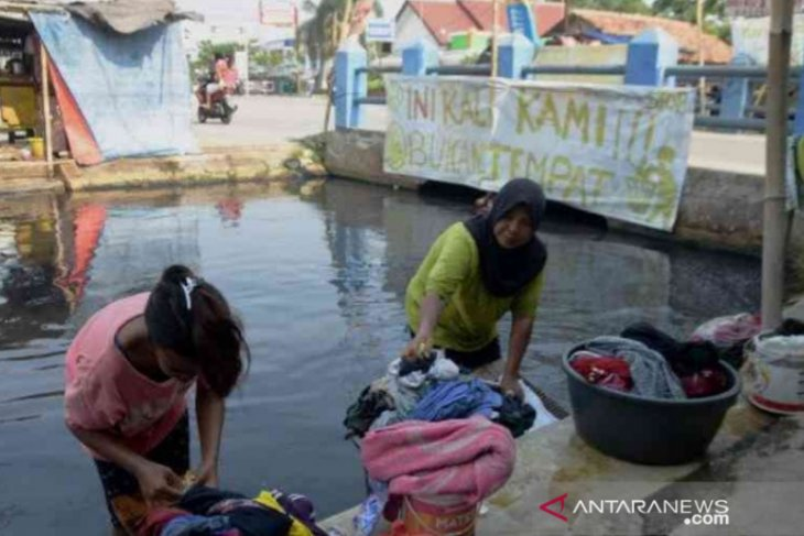 Dinas Lingkungan Hidup Bekasi segera lakukan penyisiran sungai tercemar limbah