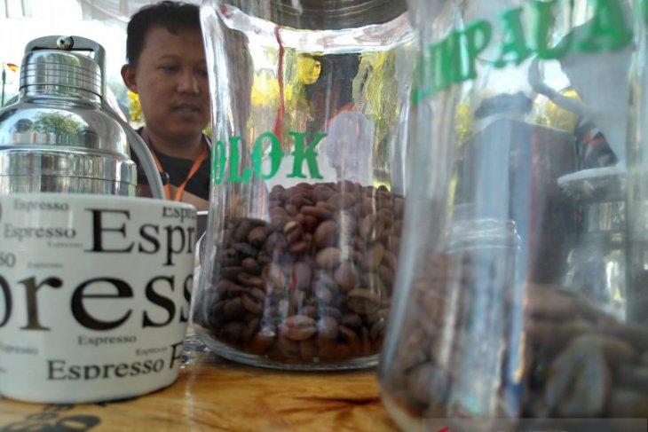 Mato Aia, kopi yang menggoda di istana Pagaruyung