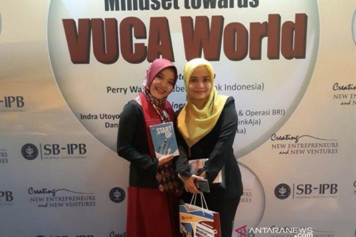 Fitri Kinasih, wisudawan terbaik  sarjana SB-IPB juga menulis buku