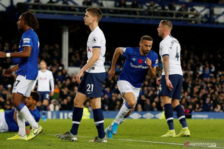 Andre Gomez patah kaki, Spurs vs Everton main imbang 1-1
