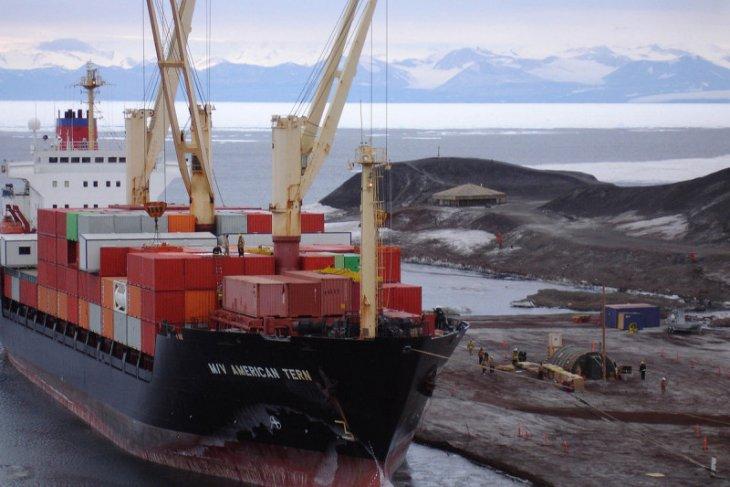 DPR dorong penggunaan kapal produksi dalam negeri diperbanyak