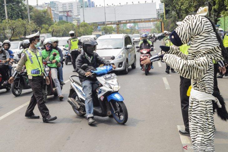 Saat Hari Pahlawan layanan SIM Keliling  ada di tiga lokasi