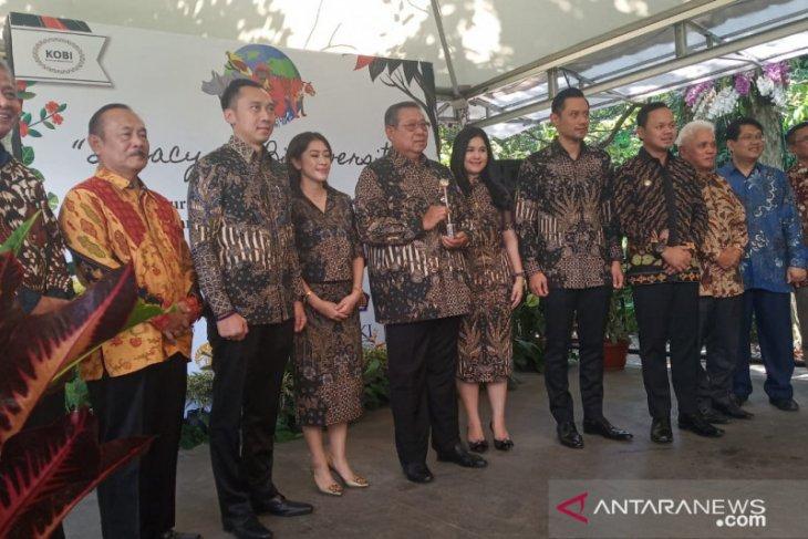 Ani Yudhoyono receives Biodiversity Award 2019