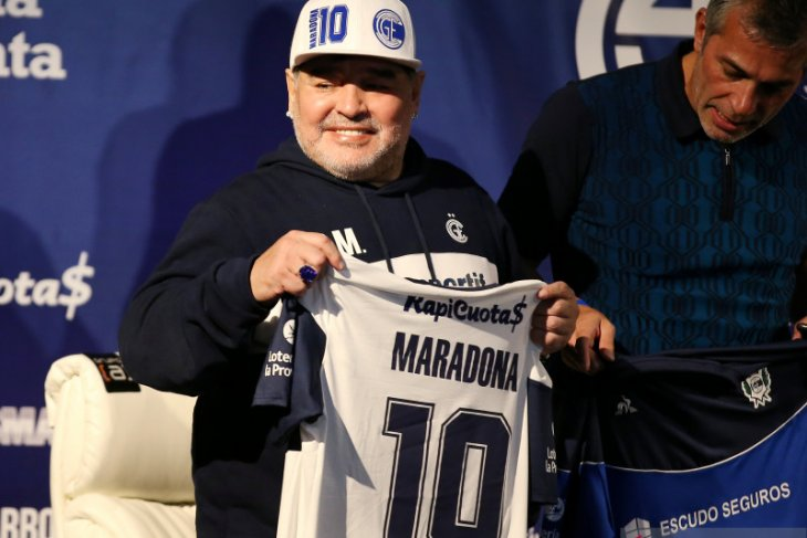 Maradona sudah menjalani test Covid-19