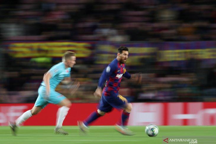 Messi dkk imbang lawan Slavia Praha di kandang