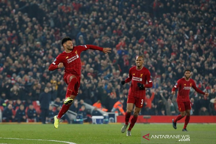 Liga Champions, Oxlade-Chamberlain cetak gol lagi, Liverpool atasi Genk 2-1