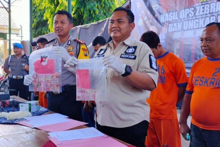 Polisi amankan 10 pelaku judi Pilkades