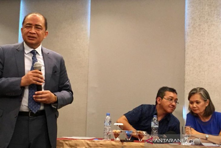 Cambodia ambassador interrupts Mu Sochua's press conference