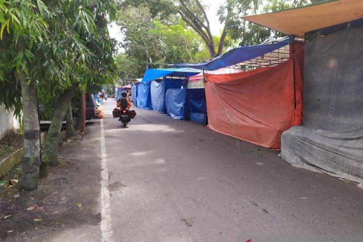 Langgar Perda, Pemkot Pematangsiantar diminta bongkar lapak bazar Simarito