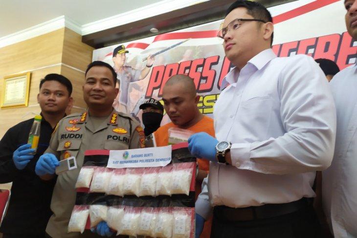 Denpasar police seize 1.3kg of crystal meth