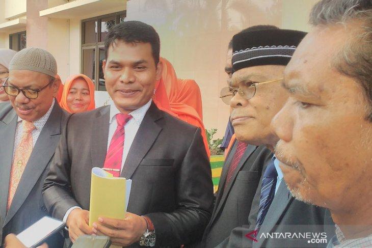 Mantan Sekda Aceh Husni Bahri TOB tutup usia