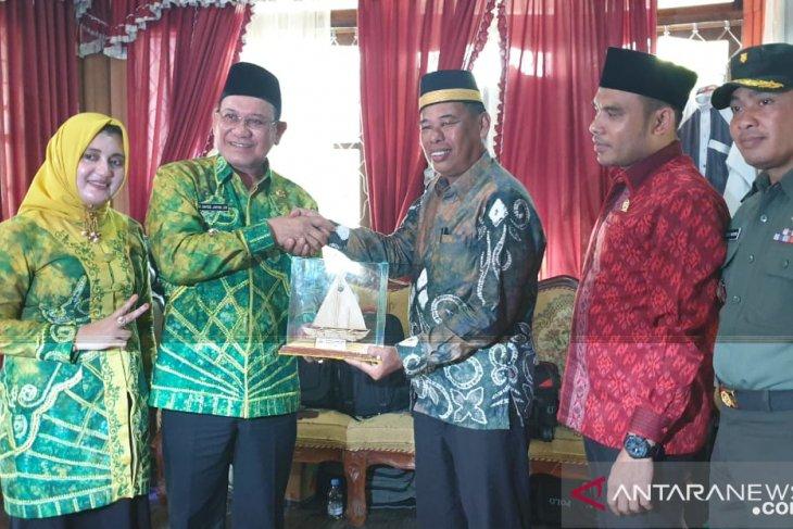 Bupati Kotabaru anjangsana ke peserta MTQ XXXII