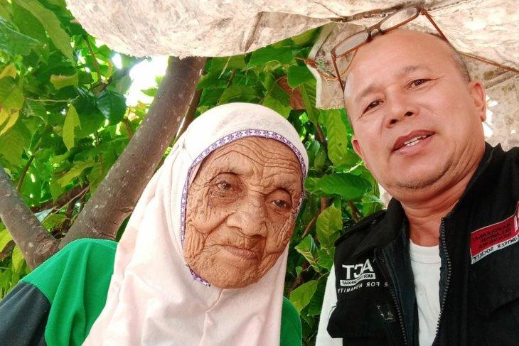 Lansia masih jadi santri di Pesantren Darul Arifin Al-Abati Aceh Jaya