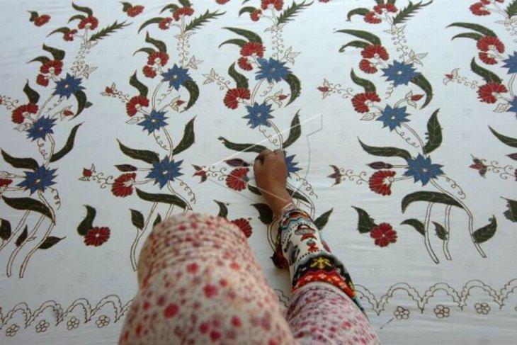 Batik tulis tegalan