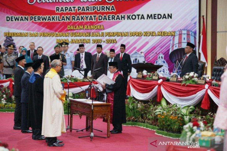 Pimpinan DPRD Kota Medan resmi dilantik