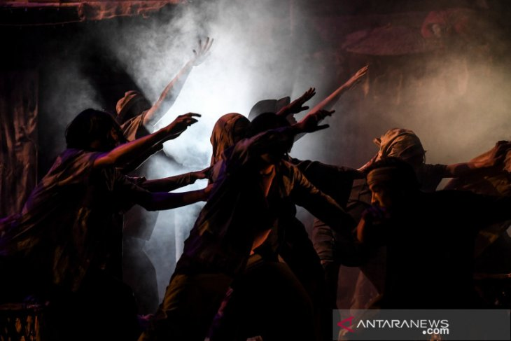 Teater Koma mundurkan jadwal pentas Sampek Engtay akibat corona