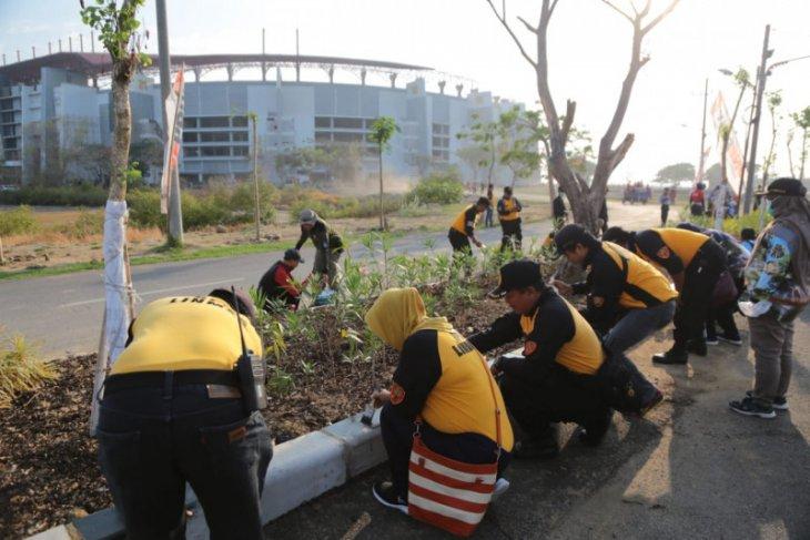Kerja bakti ribuan warga Surabaya